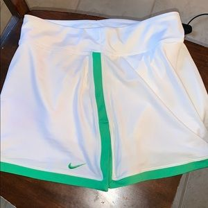 NWOT Nike tennis skirt. White and green